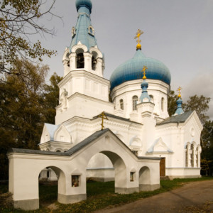 cropped-khram-sv.-vmch.-georgiya-pobedonostsa-v-s.-lozhgolovo.jpg